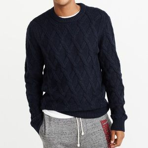 🆕 Abercrombie & Fitch Cozy Cable Knit Sweater